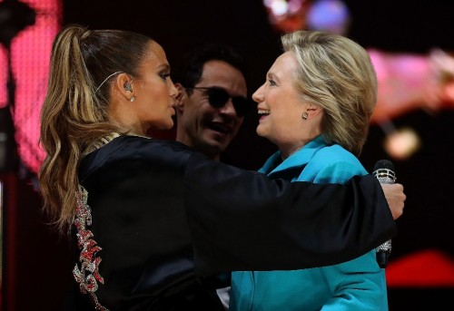 Hillary tries to dance her email troubles away with JLo concert in Florida