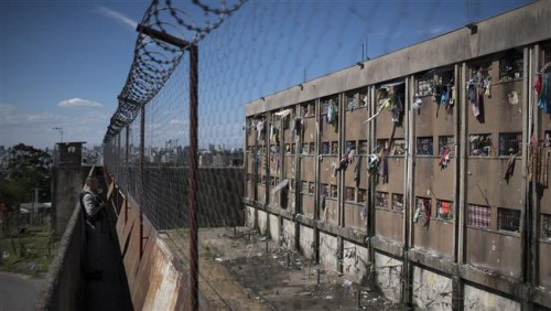 At least 33 inmates killed in new Brazil prison riot