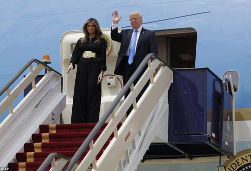 Trump arrives in Saudi Arabia in first foreign trip