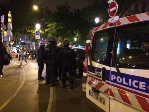 Police pour in to Paris' train station, evacuate passengers