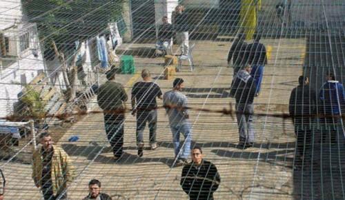 Palestinian prisoners in Israel suspend hunger strike
