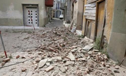 6.3 earthquake strikes Aegean Sea, 1 person killed on Lesbos