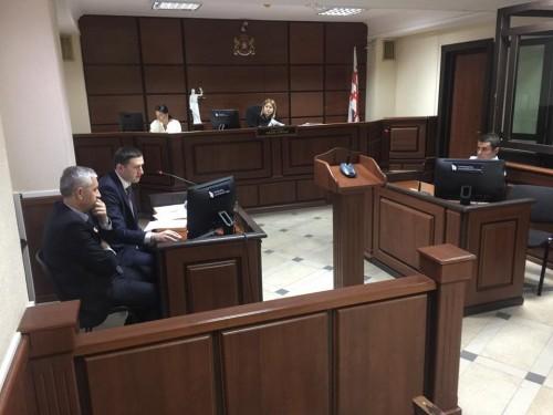 ვალერი გელაშვილის ცემის საქმის არსებითი განხილვა თბილისის საქალაქო სასამართლოში მიმდინარეობს