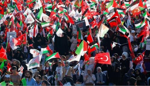სტამბოლში აქციაზე  იერუსალიმში ალ-აქსას მეჩეთში მუსლიმი ახალგაზრდების სალოცავად შესვლის შეზღუდვა გააპროტესტეს