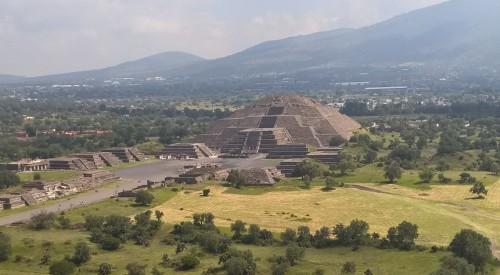 მექსიკაში, ტეოტიუაკანის მთვარის პირამიდის ქვეშ საიდუმლო გვირაბი აღმოაჩინეს