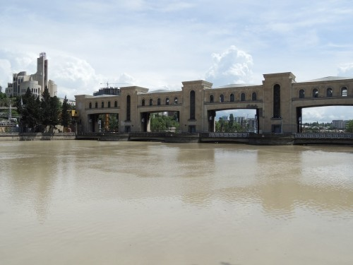 მდინარე მტკვრის დონე თბილისში ერთი დღით ბუნებრივ ნიშნულს დაუბრუნდება