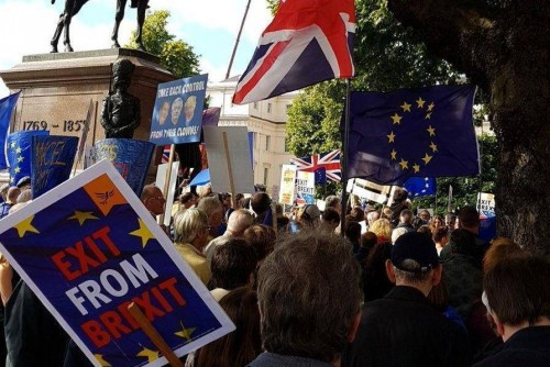 """ლონდონში """"ბრექსიტს"""" აქციით აპროტესტებენ"""