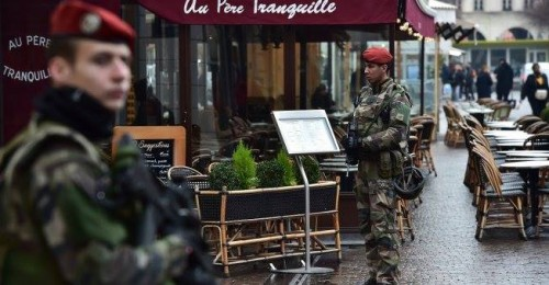The Sun: French soldier attacked in Paris by knife-wielding man