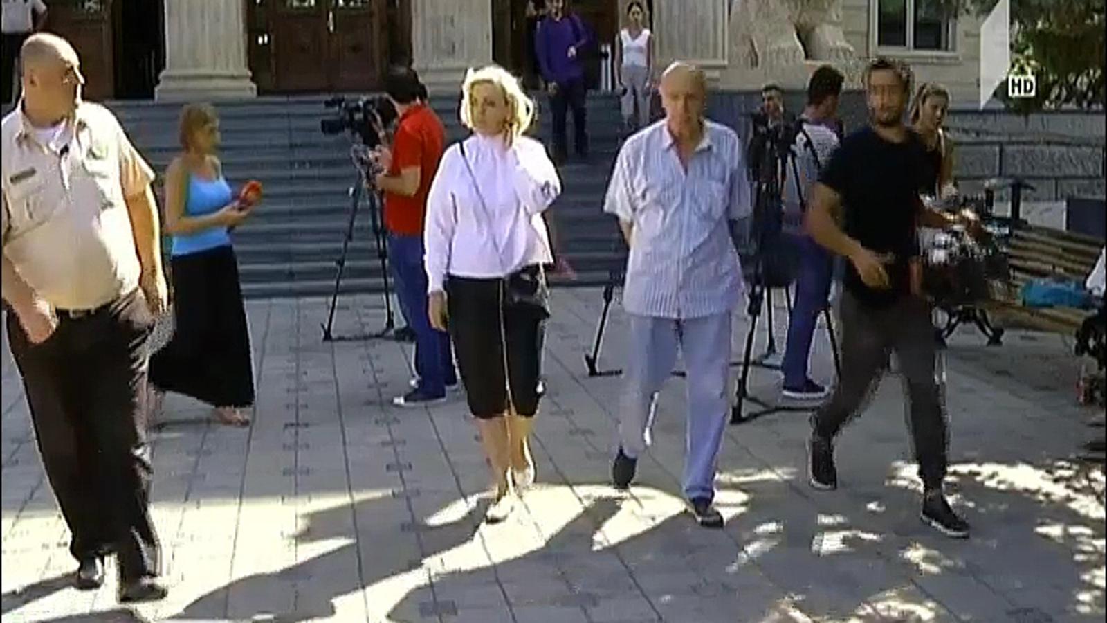 ე.წ. კორტების სპეცოპერაციის საქმეზე მსჯავრდებული ფირცხალავას მეუღლემ  გამოძიების კითხვებს სასამართლოში  უპასუხა