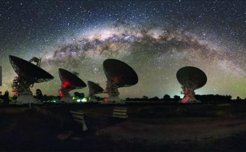 იდუმალი სწრაფი რადიოსიგნალები შესაძლოა დედამიწას ყოველ წამში ეცემა