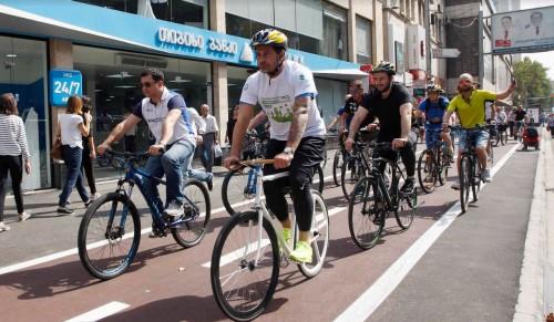"""""""დღე ავტომობილების გარეშე"""" - კახა კალაძემ საერთაშორისო დღისადმი მიძღვნილ ველორბოლაში მიიღო მონაწილეობა"""