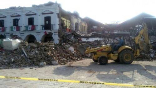 5.7 magnitude earthquake hits Mexican coast