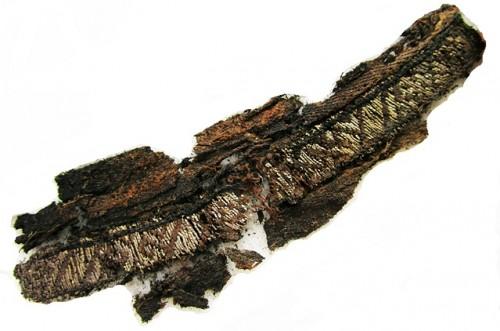 """ვიკინგების სამარხში აღმოჩენილ ტანსაცმელზე ამოქარგული სიტყვა """"ალაჰი"""" იპოვეს"""