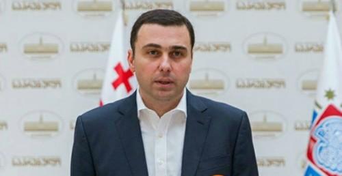 """გიორგი ტყემალაძის ინფორმაციით, საკრებულოში კონკრეტულ თანამდებობებზე""""ქართული ოცნებაში"""" კონსულტაციები მიმდინარეობს"""