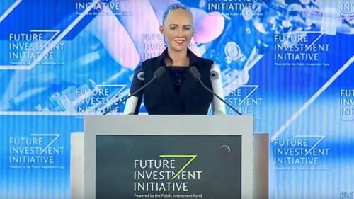 პირველად მსოფლიოში, საუდის არაბეთში რობოტს მოქალაქეობა მიანიჭეს