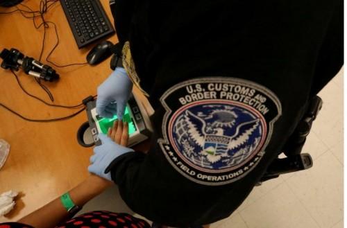 აშშ ლტოლვილების მიღების პროგრამას ანახლებს, თუმცა 11 ქვეყნიდან მიგრანტების შემოწმების კრიტერიუმებს ამკაცრებს