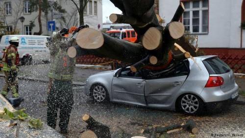 """ევროპაში ქარიშხალ """"ჰერვარტის"""" შედეგად დაღუპულთა რიცხვი გაიზარდა"""