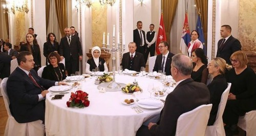 სერბეთის საგარეო საქმეთა მინისტრმა რეჯეპ ტაიპ ერდოღანს თურქულ ენაზე უმღერა [ვიდეო]