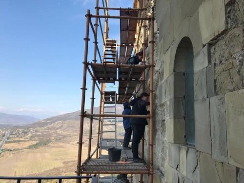 მცხეთის ჯვრის მცირე ტაძარზე ქვის საკონსერვაციო სამუშაოები ტარდება