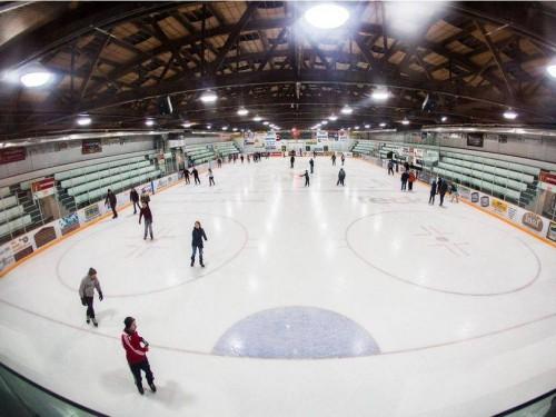 კანადის ქალაქ ფერნიში, ყინულის მოედანზე მომწამვლელი აირის გაჟონვის შედეგად, სამი ადმიანი დაიღუპა