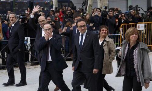 ესპანეთის სასამართლომ კატალონიის მთავრობის რვა ყოფილი წევრი დააკავა