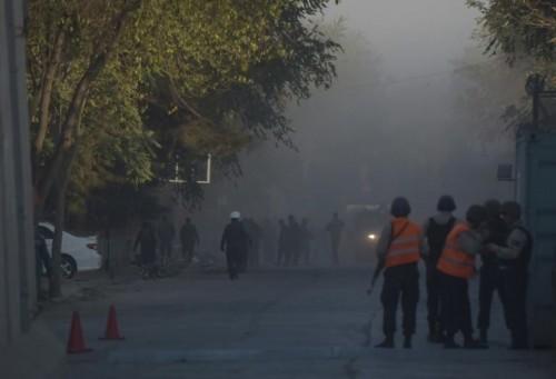 ავღანეთში თვითმკვლელი ტერორისტის თავდასხმის შედეგად, სულ მცირე ხუთი ადამიანი დაიღუპა