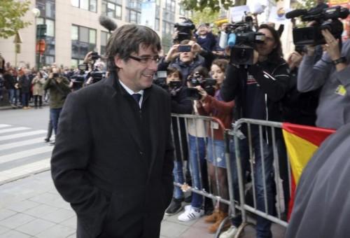 ესპანელმა მოსამართლემ პუიჩდემონისა და მასთან ერთად, ბელგიაში მყოფი  მინისტრთა კაბინეტის ოთხი წევრის დაპატიმრების საერთაშორისო ორდერი გასცა